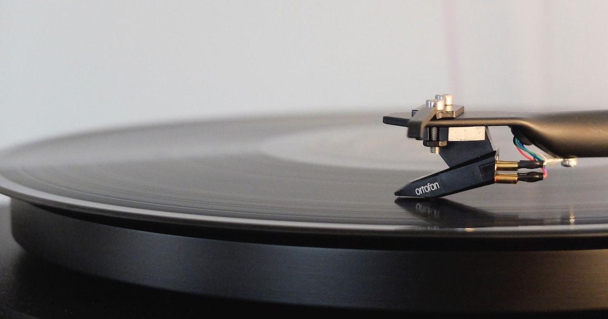 Le 12 storie di dischi irripetibili di Carlo Boccadoro, tra autobiografia e guida musicale all'inconsueto