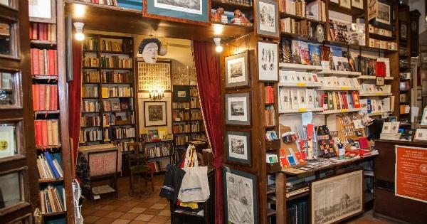 Libreria Colonnese, Napoli